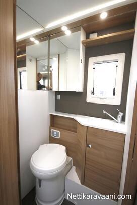 SL 670 WC